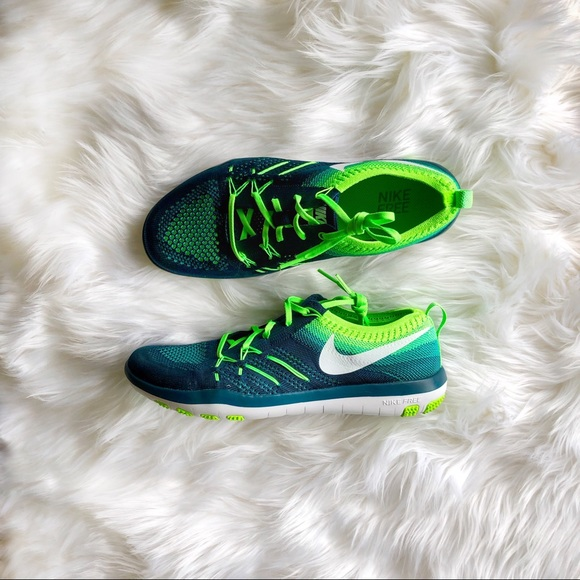 edc22ac73c47 NIKE FREE TR FOCUS FLYKNIT Training Women s Shoes.  M 5b323d136a0bb7d25607be95